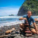 Lávové kameny na pláži Pololu